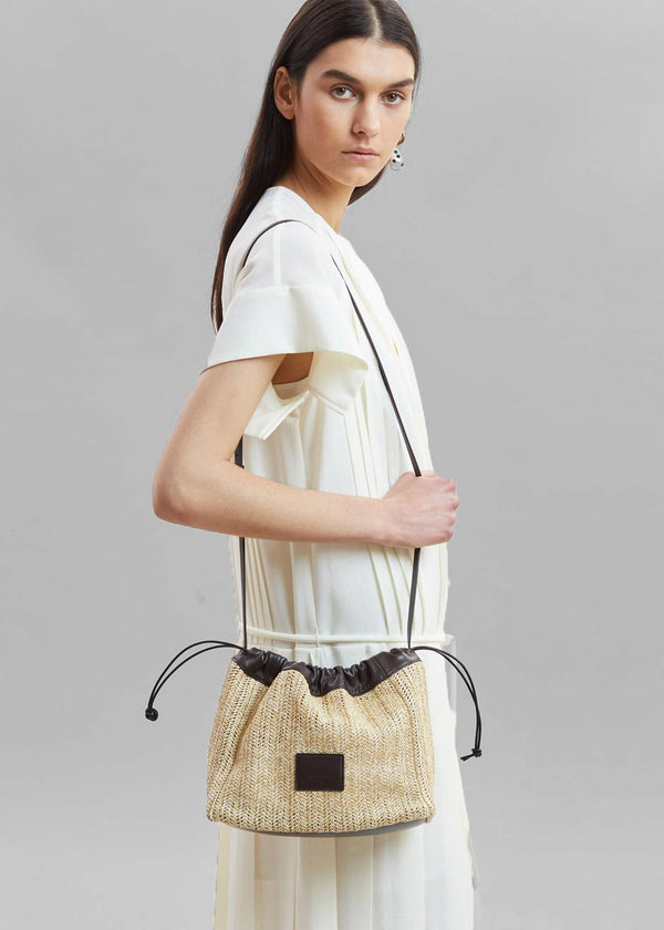 Low Classic Rattan String Bag in Beige