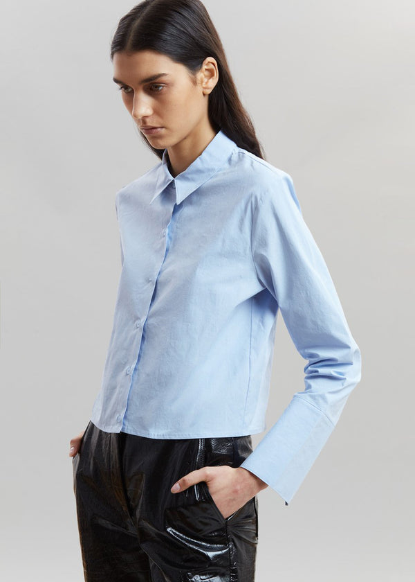 Cropped Padded Shoulder Cotton Shirt in Sky