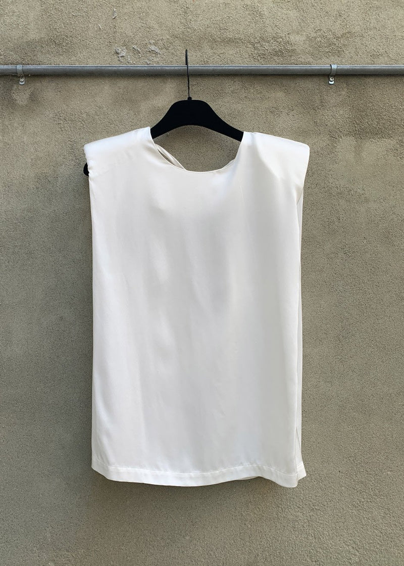 Secretary Muscle Tee by The Garment in Cream