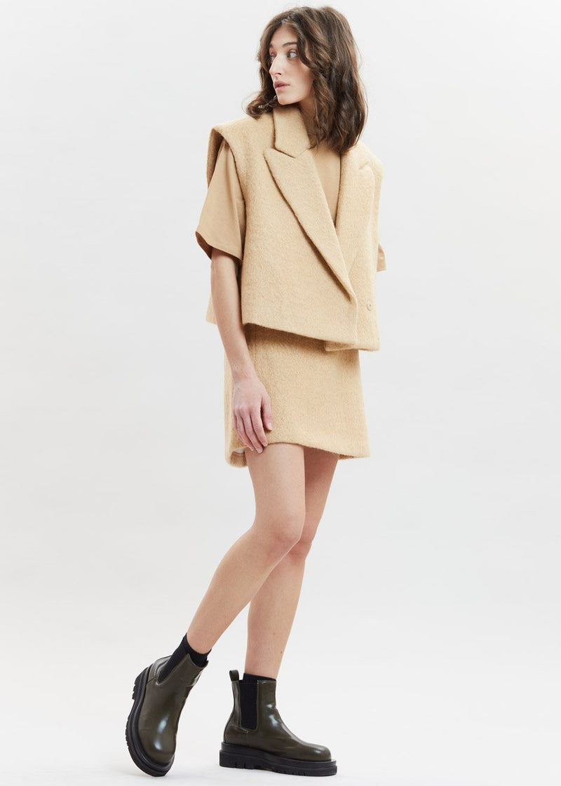 Alpaca Blend Boxy Cropped Vest in Camel Vest Issue