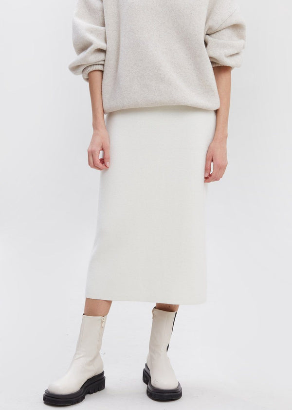 Cloud Knit Midi Skirt in Ivory Skirt siene