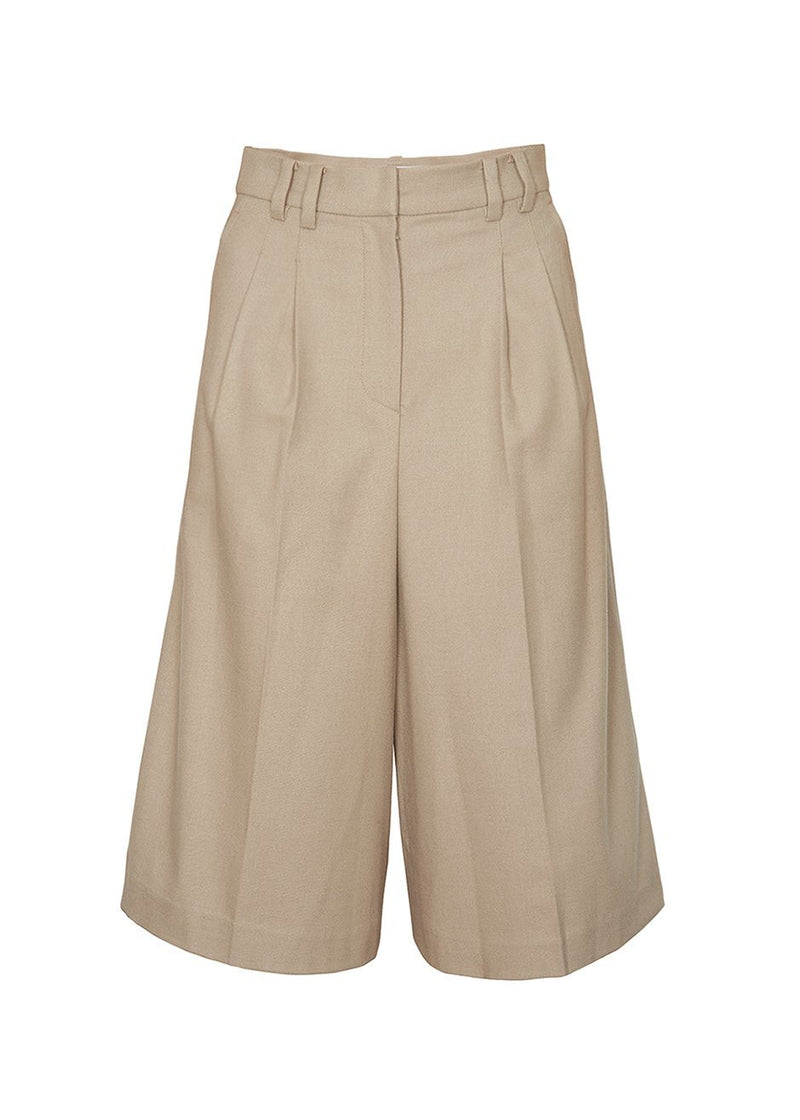 High Rise Trouser Shorts in Pebble Shorts Jelome
