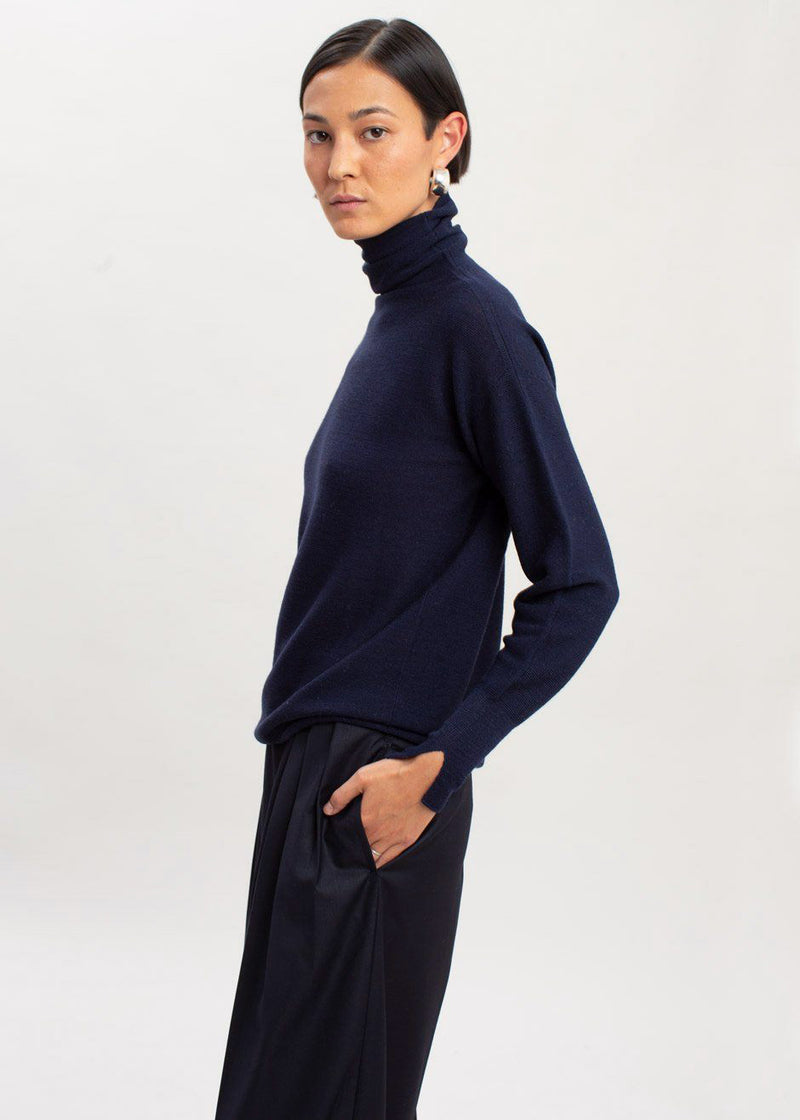 Loose Waffle Knit Turtleneck Sweater in Navy