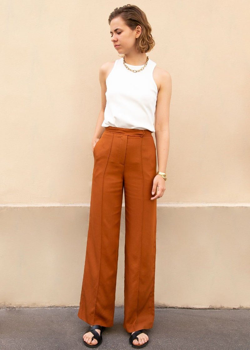 Single Seam Straight Trousers in Brick Pants Mainstay