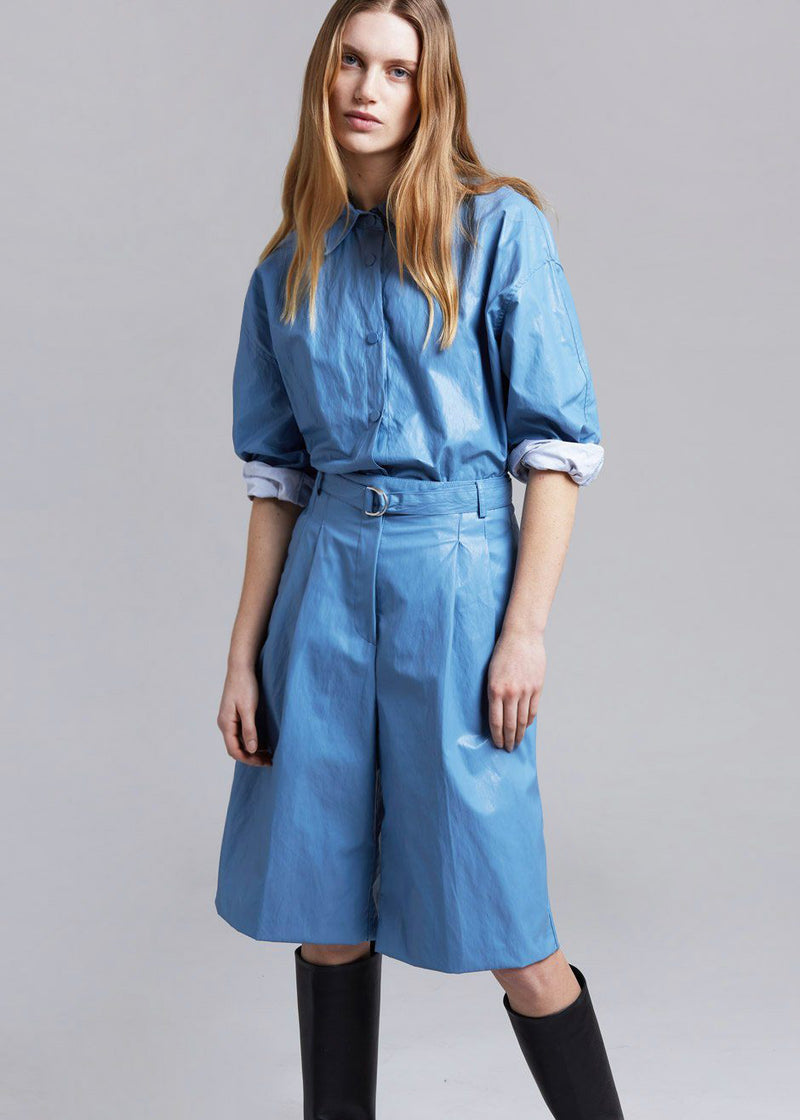 Waxed Knee Length Shorts in Cerulean