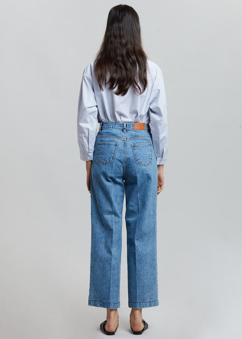 Wide Fit Straight Jean in Medium Wash Pants I am J