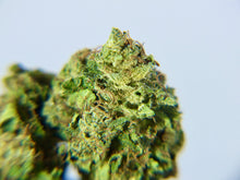 Load image into Gallery viewer, 10% CBD Strawberry Kush - Low thc
