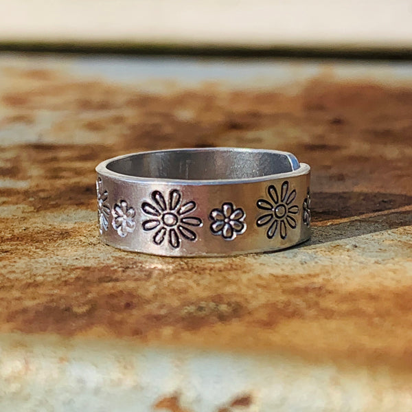 Daisy Flowers - Hand Stamped (Midi) Ring