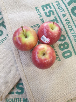 Apples, Pink Lady- Small (each)