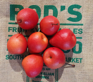 Pears- Red (small) 1kg deal