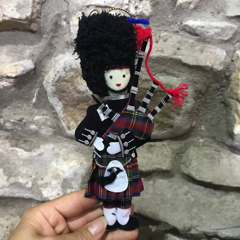 Highland Scottish Padded Piper