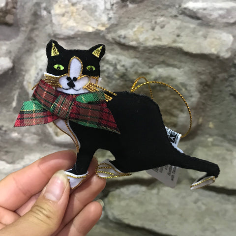 Scottish Tartan Bow Padded Cat