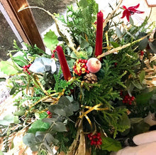 Load image into Gallery viewer, Christmas Fresh Table Centrepiece Display - Strelitzia's Floristry & Irish Craft Shop