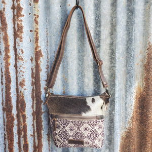 To Much Crossbody with Cowhide Front