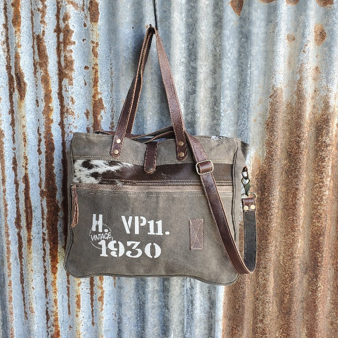 Classic 1930 Cowhide Messenger Bag Front