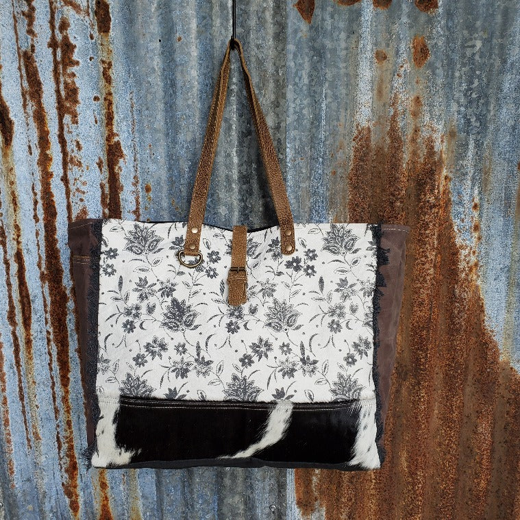 Black and White Floral Pattern Weekender Front