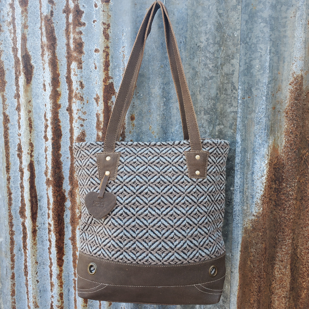 Double Line Conceal Tote Front