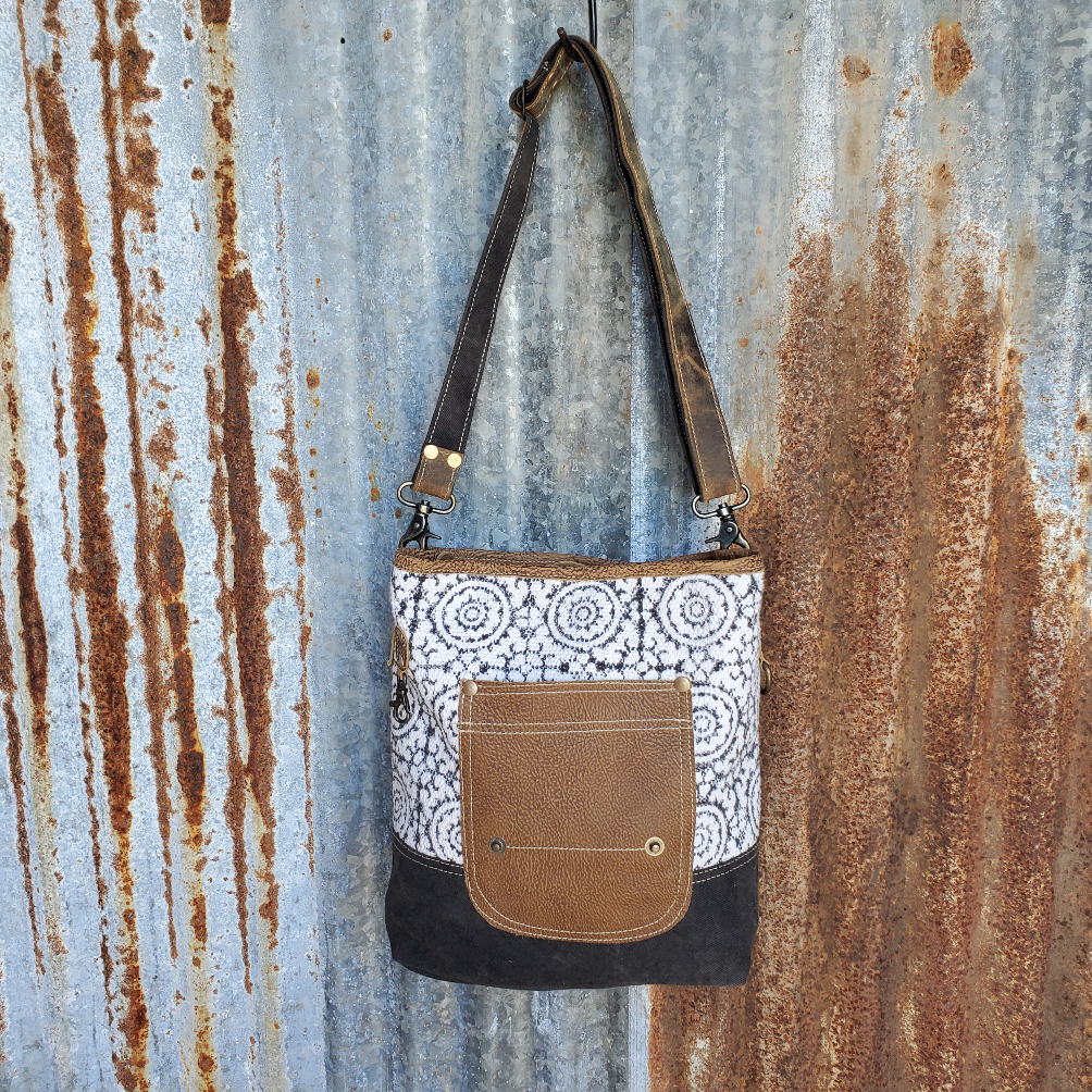 Pivot Pattern Cross Body Front