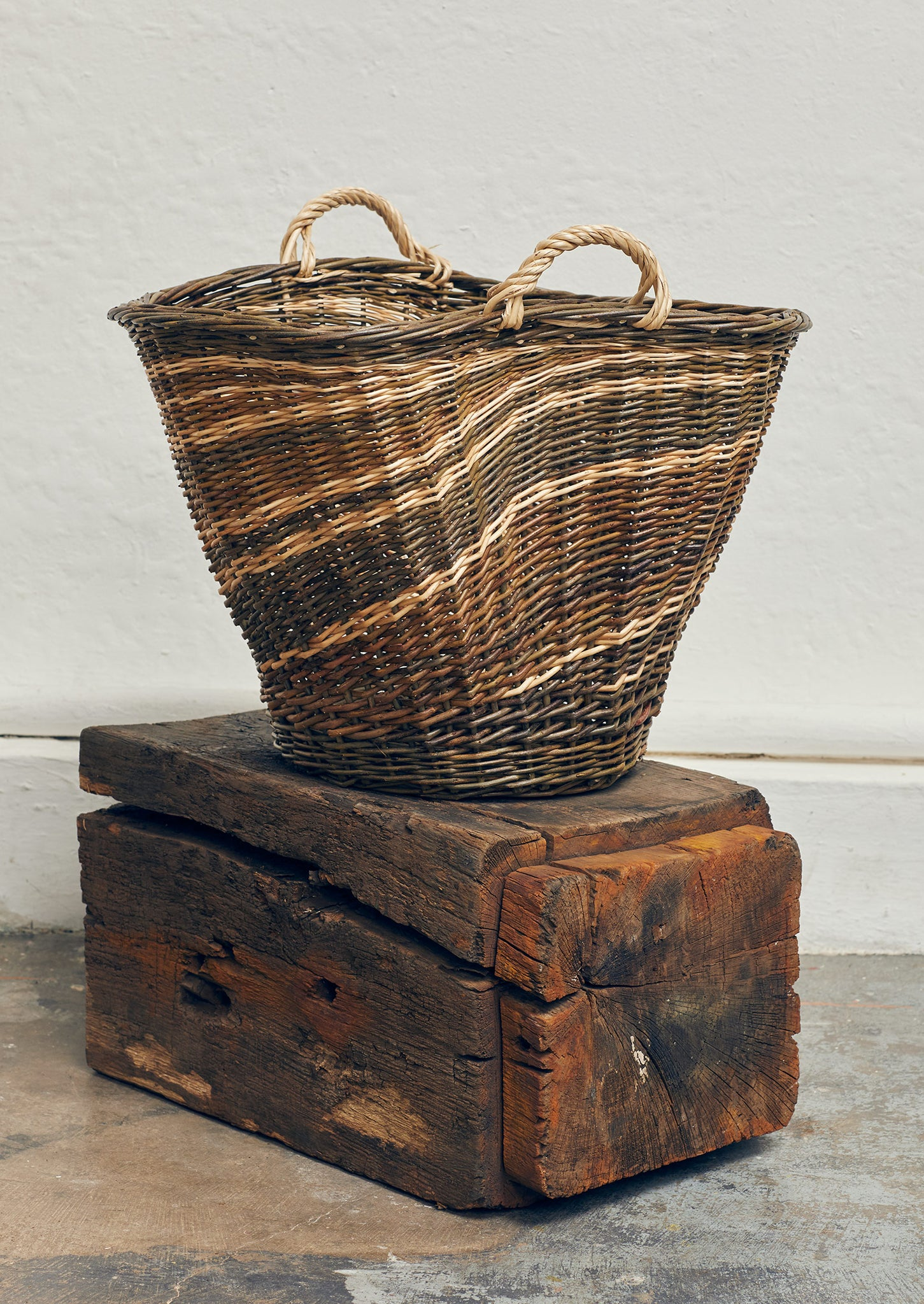 Julie Gurr Small Sculptural Willow Basket | Natural