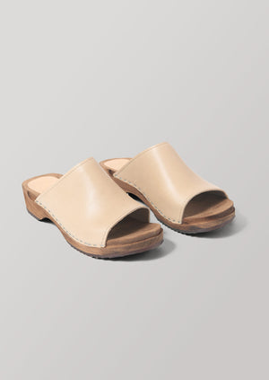 Kitty Clogs Sol Sandals | Stone