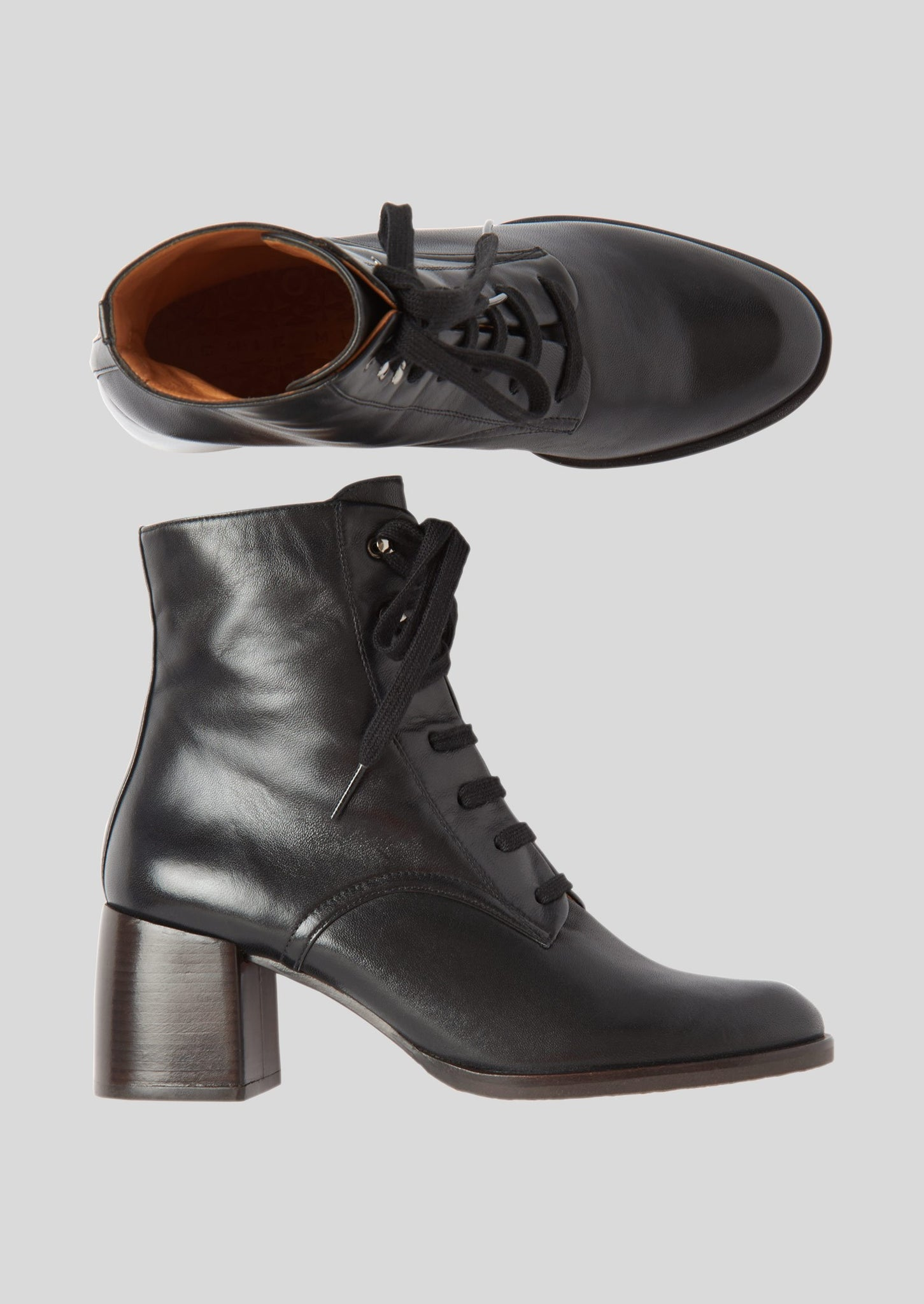 Chie Mihara Low Heel Lace Up Boots | Black