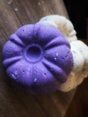 Bath bomb, bath cake made with shea butter and other oils to moisturize the skin and create a truly luxurious bath. Comes in two types Botanical, and Lavender giving the bathing experience a boost