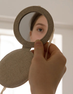 ribbon hand mirror