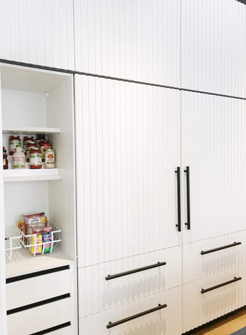 Space Lift: Black & White Kitchen
