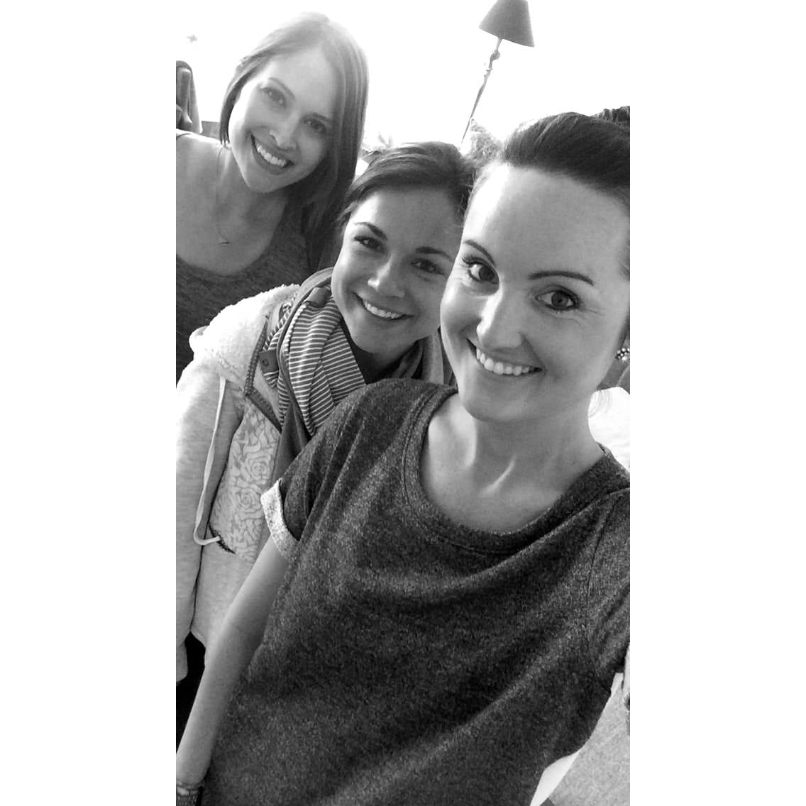 brooke ruder, marissa hagmeyer, heather byrne, home organizers, home organizers in chicago, girls selfie, neat method girls, neat girls, brunettes