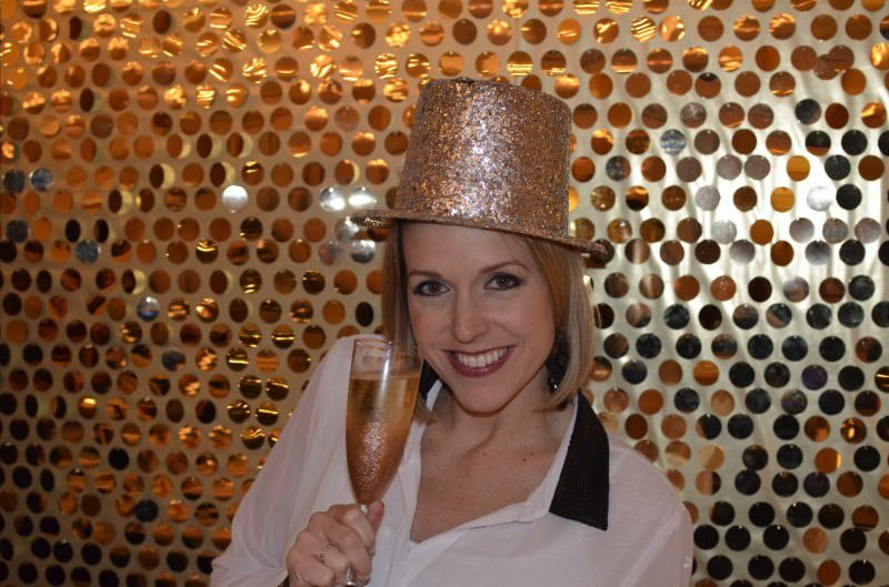 Katie B Koentje, San Diego, organizing tips, party hat, gold glitter hat, gold hat, new years eve, champagne