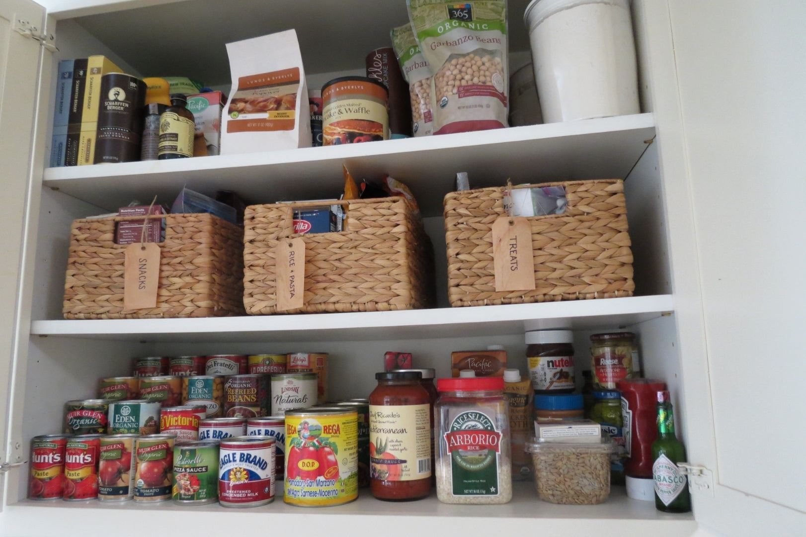 Minneapolis, St. Paul, Lauren Murphy, Lauren Warner, organizer, organize, professional organizer, kitchen, pantry