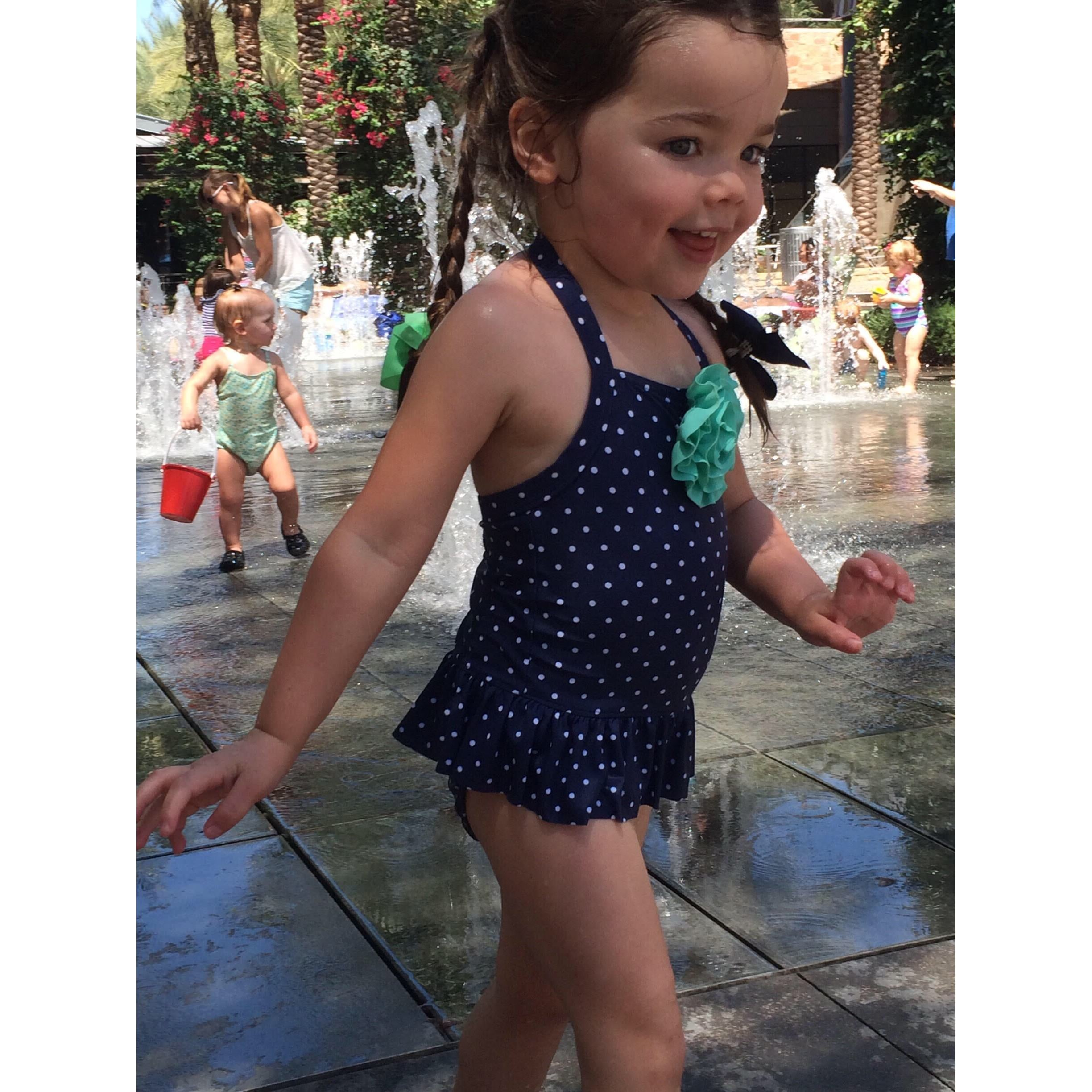 Mika Perry, Scottsdale, Phoenix, splash pad, water park, little girl, summer, swimsuit