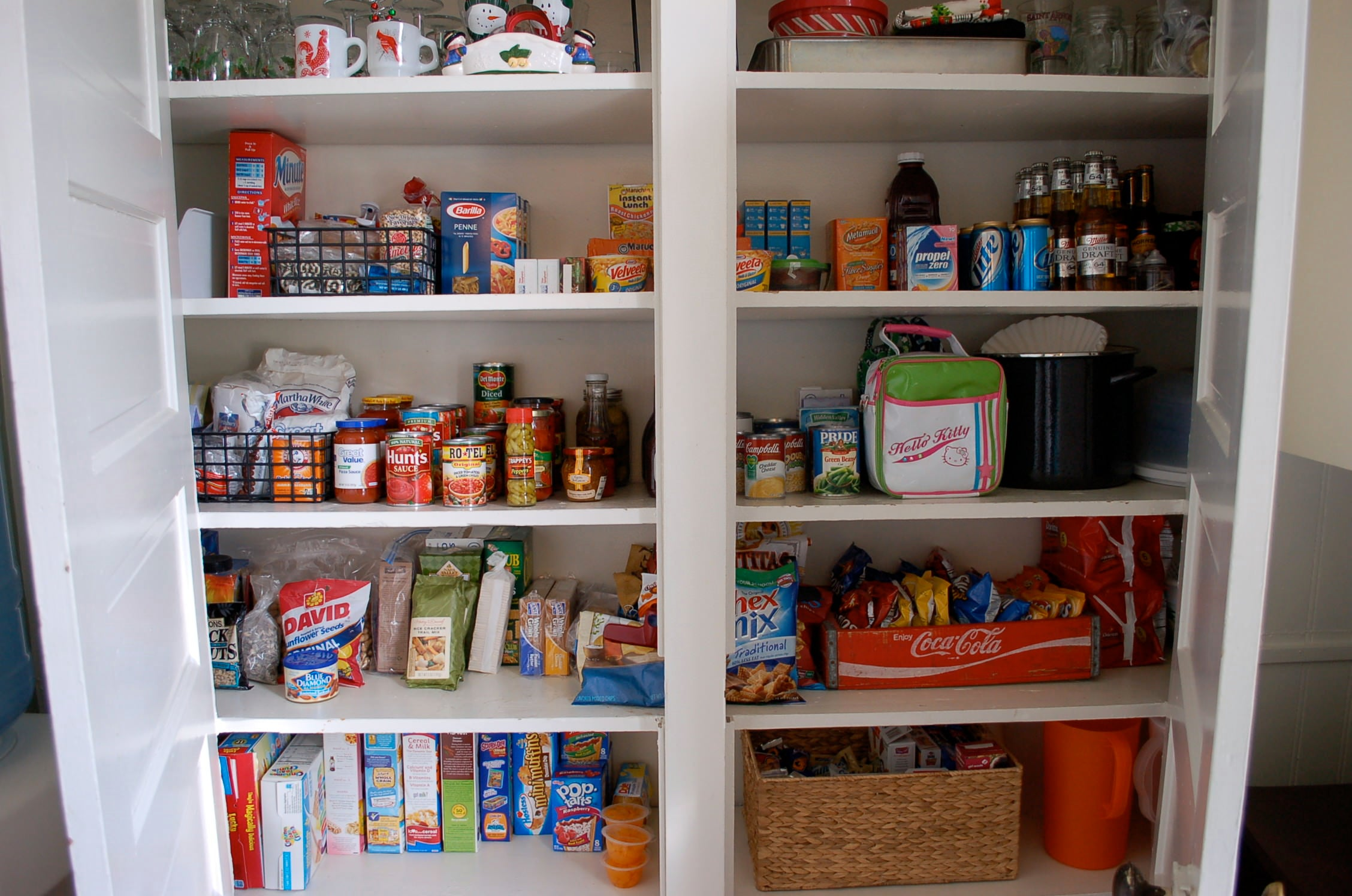 organizing tips, organized pantry, organizing the home, kitchen pantry