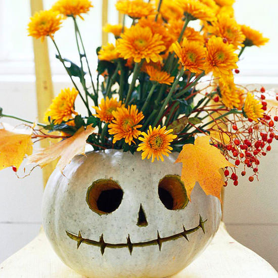 clever halloween ideas, funny pumpkin carvings, jack o lanterns, funny jack o lanterns, little pumpkins, pumpkin carvings, creative pumpkin carvings, halloween vases, pumpkin vase, cute pumpkin carvings, flower pumpkins