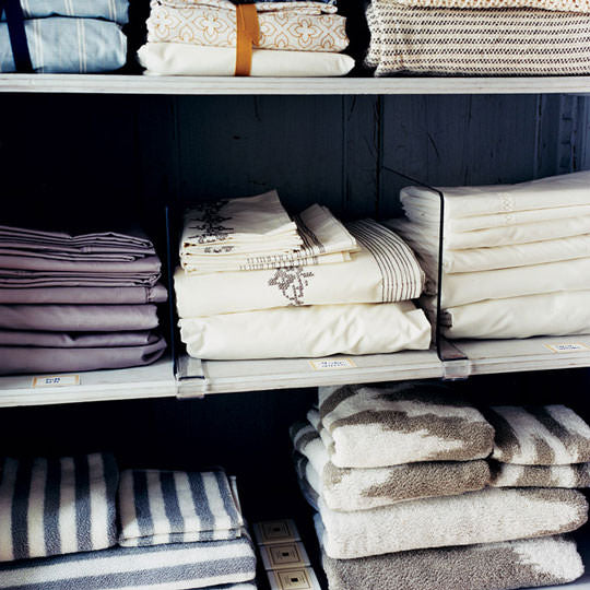 linen closet, organizing tips, folded towels, organized towels, matching towels, home decor