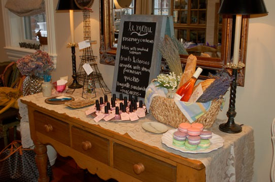 organizing, organizers, San Francisco, Chicago, Washington DC, DC, Florida, South Florida, French Party, Baby shower, Baby, baby gift, party planning, event planning, eiffel tower, Macarons, chalk board sign, baby girl,
