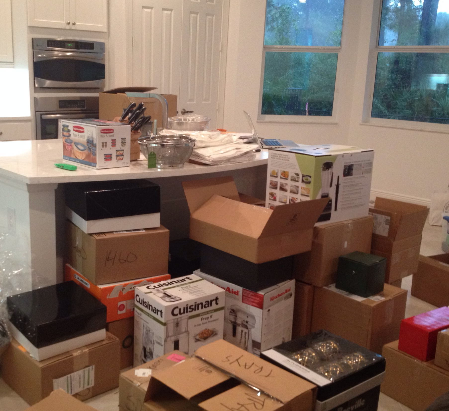 neat method, kitchen remodel, kitchen construction, kitchen chaos, boxes, packing, organizing, organized kitchen