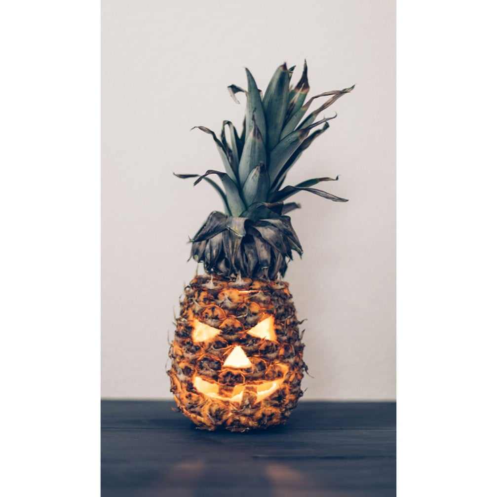 pineapple jack o lantern, jack o lantern, halloween pumpkin ideas, halloween pumpkin, clever halloween decor, halloween decorations, pineapple pumpkin, pineapple carving, clever halloween ideas