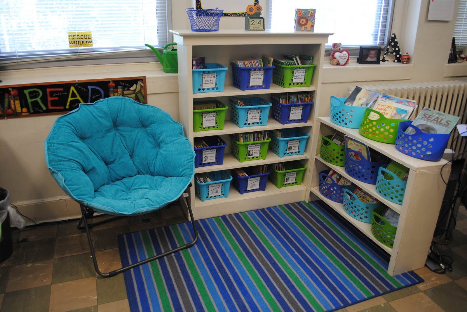 classroom, organized classroom, organized books, children's books, home organization, blue and green room, kids toys, kids organization, DIY organizing,