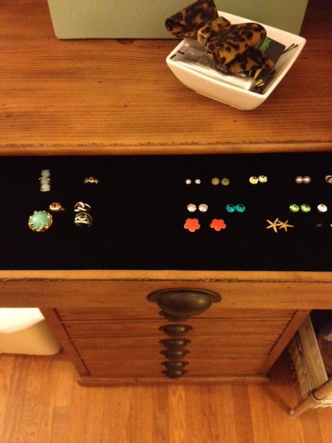 jewelry, earrings, jewelry drawer, organized room, organizing tips