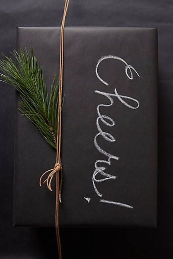 christmas wrapping, diy christmas wrapping, DIY wrapping paper, chalkboard paper, chalkboard wrapping paper, chalkboard DIY, holiday wrapping DIY, creative holiday wrapping,