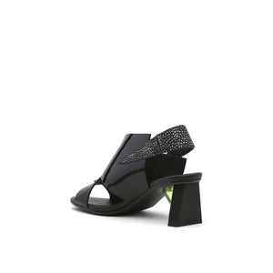 spark sandal mid black angle in view
