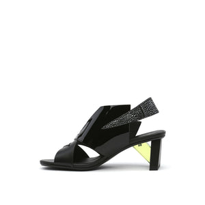 spark sandal mid black in view