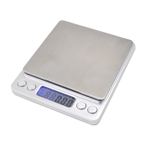 Balance for weighing accurately the dosage of Fine Tuners