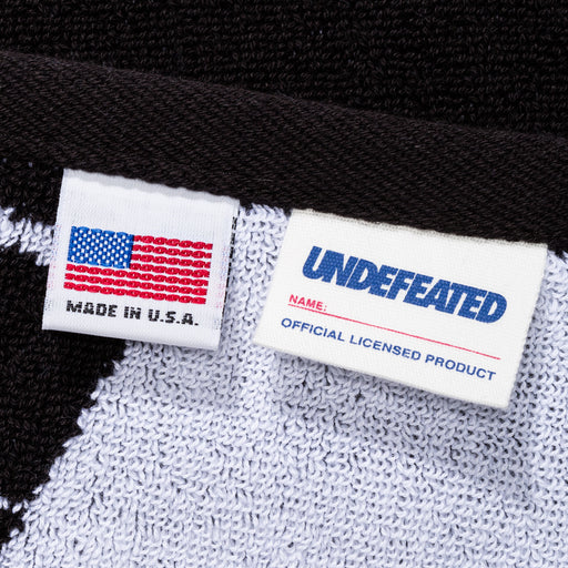 UNDEFEATED REPEAT HAND TOWEL - BLACK/WHITE Image 3