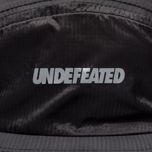 UNDEFEATED LOGO CAMP HAT