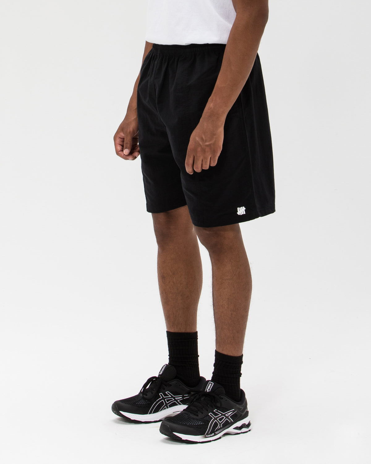 UNDEFEATED FELLED SEAM SHORT