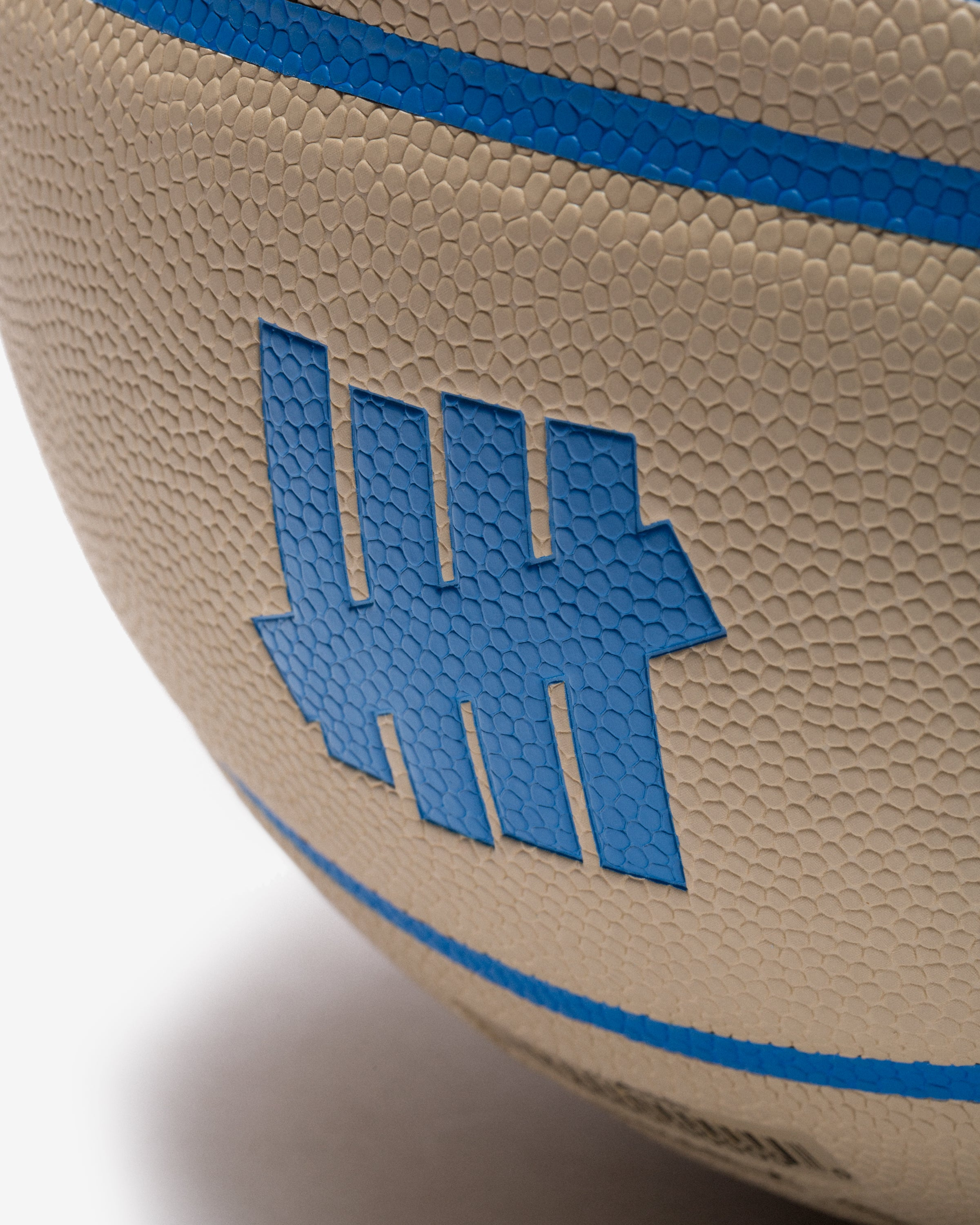 UNDEFEATED X WILSON LIMITED EDITION BASKETBALL - TAUPE