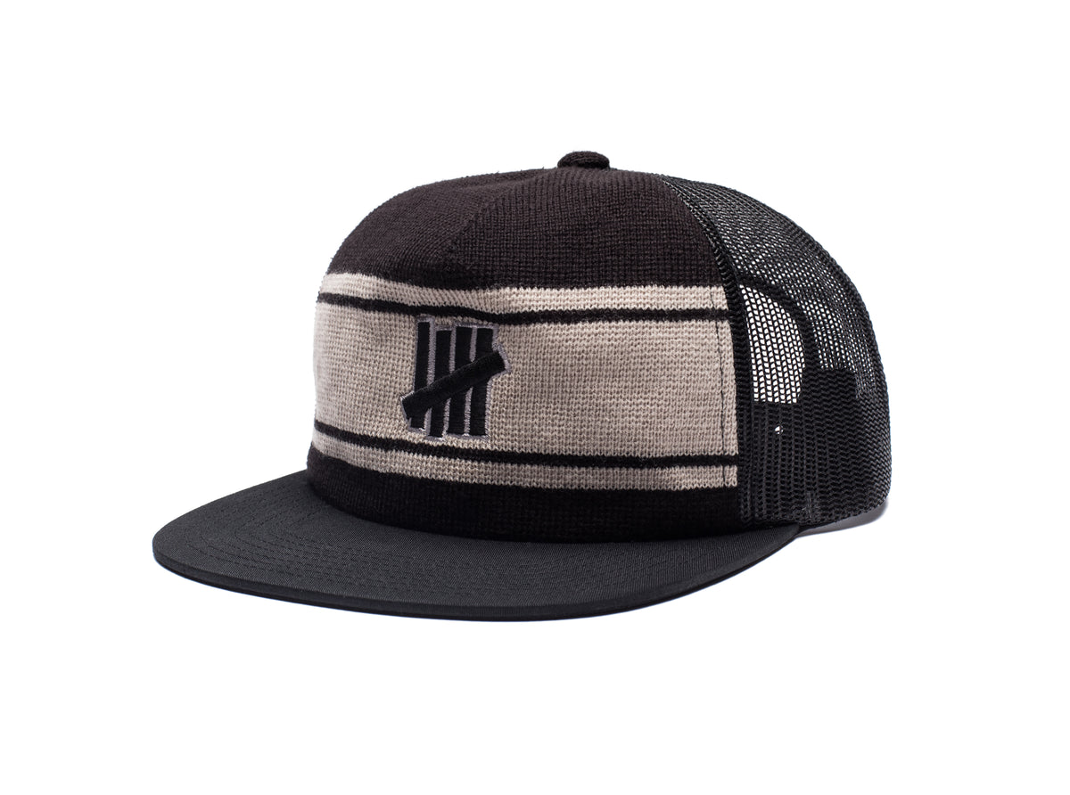 UNDEFEATED ICON TRUCKER - BLACK