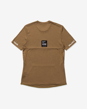 NIKE X UNDERCOVER NRG TC TOP SS POCKET - LICHENBROWN/WHITE